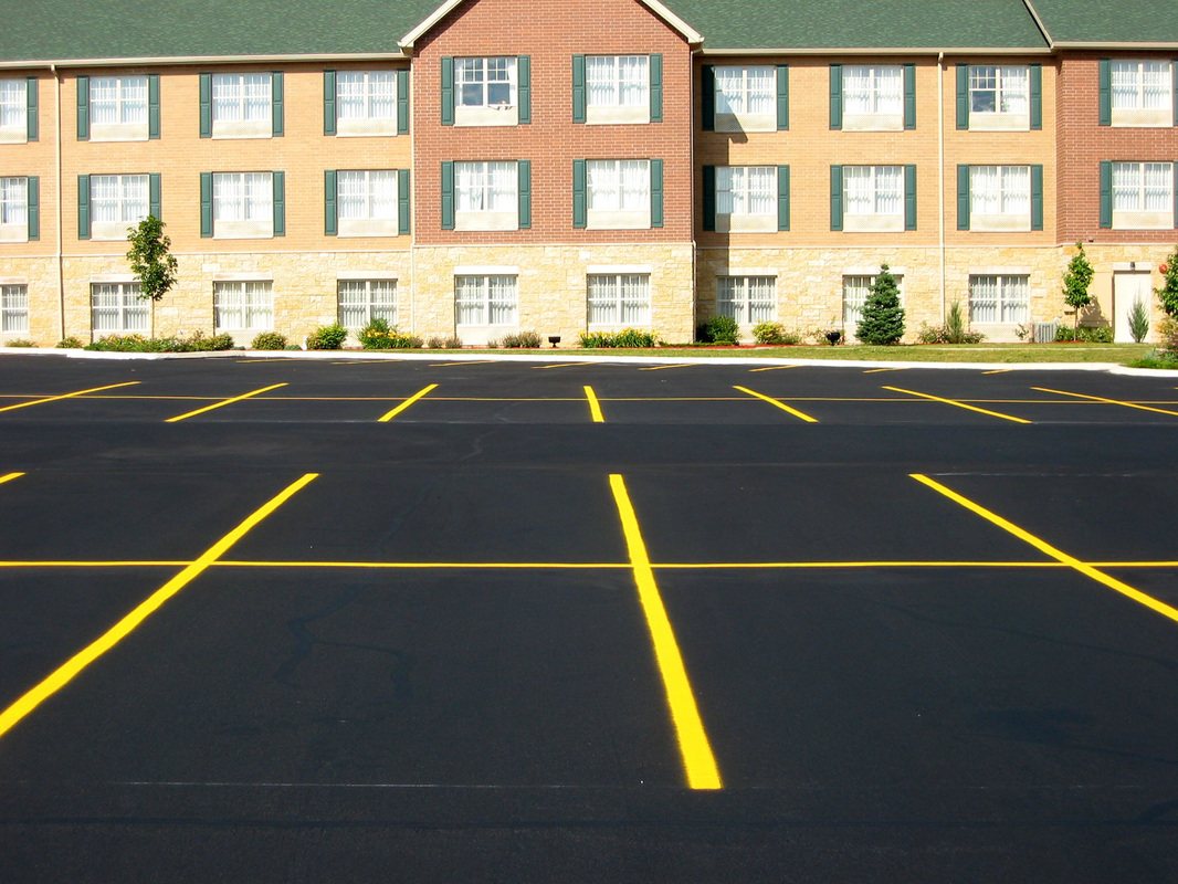 Commercial parking lot striping Plano Texas